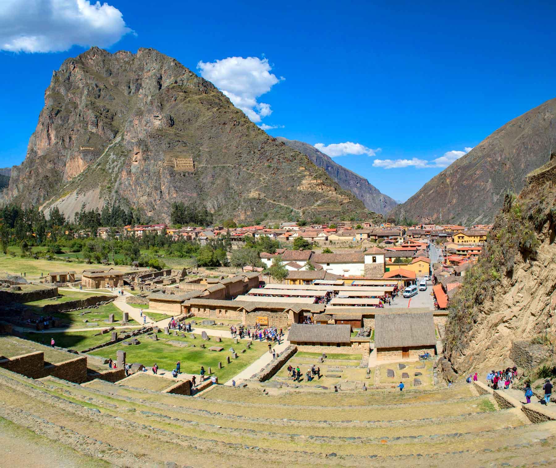 Cidade de Ollantaytambo desde o Centro Arqueológico