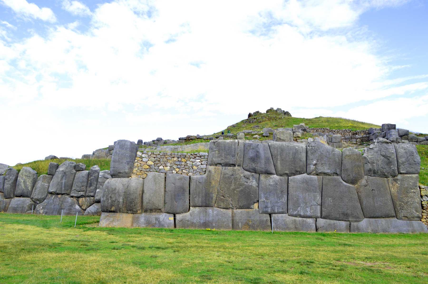Impresionantes construcciones en Sacsayhuaman